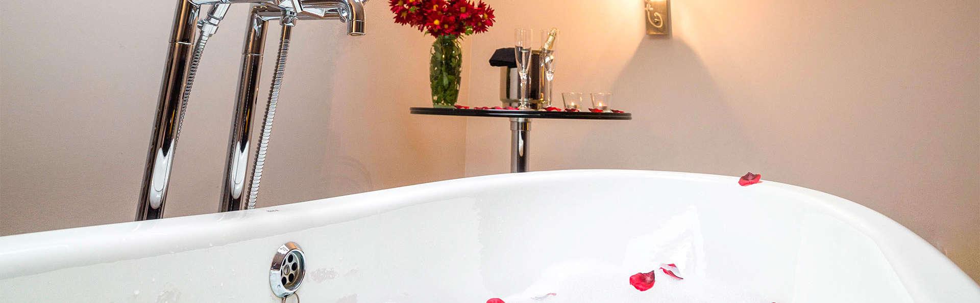 Escapada romántica en suite con cava, bombones y más detalles para sorprender a tu pareja