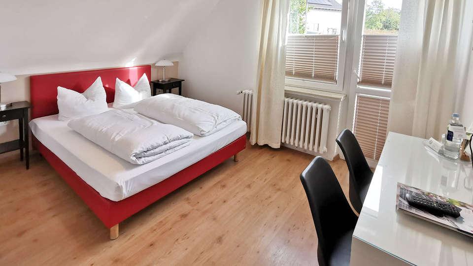 Landidyll Hotel Weidenbrück - EDIT_BEDROOM_01.jpg