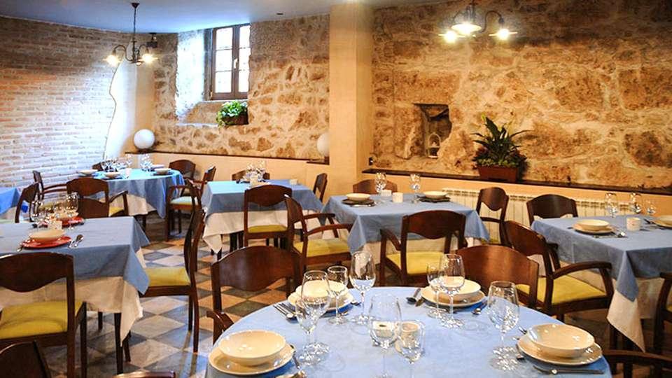 Hospedium Hotel La Fuente - EDIT_Restaurante_01.jpg
