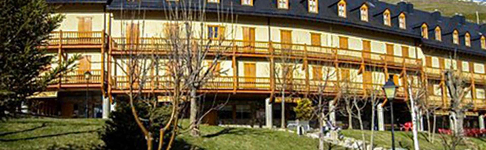 Apartamentos La Solana - EDIT_AERIAL_01.jpg