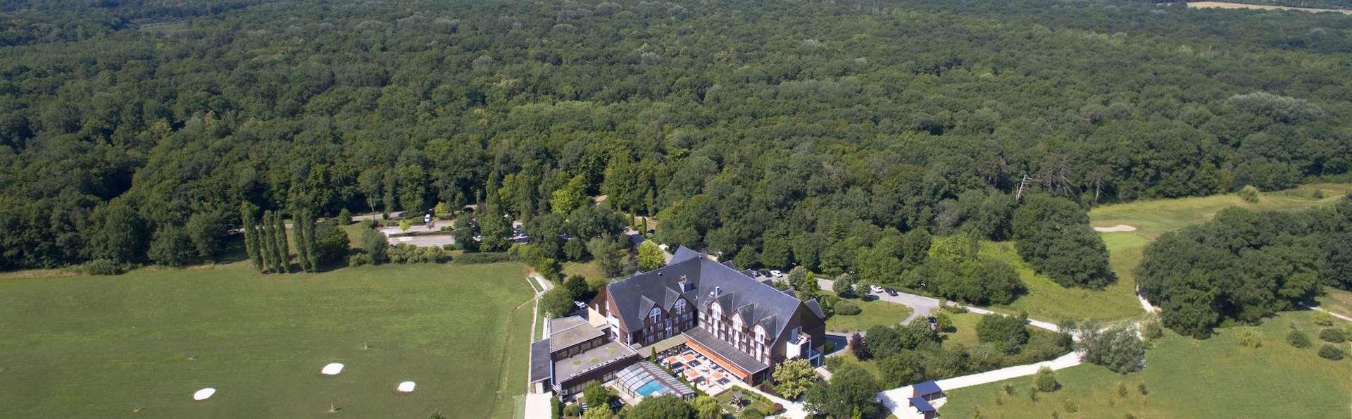 Domaine de la Foret d'Orient - Natur'Hotel Golf & Spa - vue_aerienne_domaine_foret_orient_-_1900.jpg