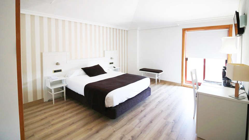 Hotel Alfonso I - EDIT_BEDROOM_05.jpg