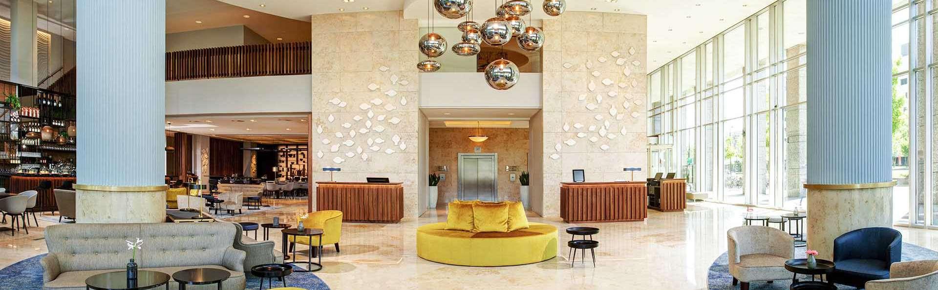 Rotterdam Marriott Hotel - EDIT_BAR_03.jpg