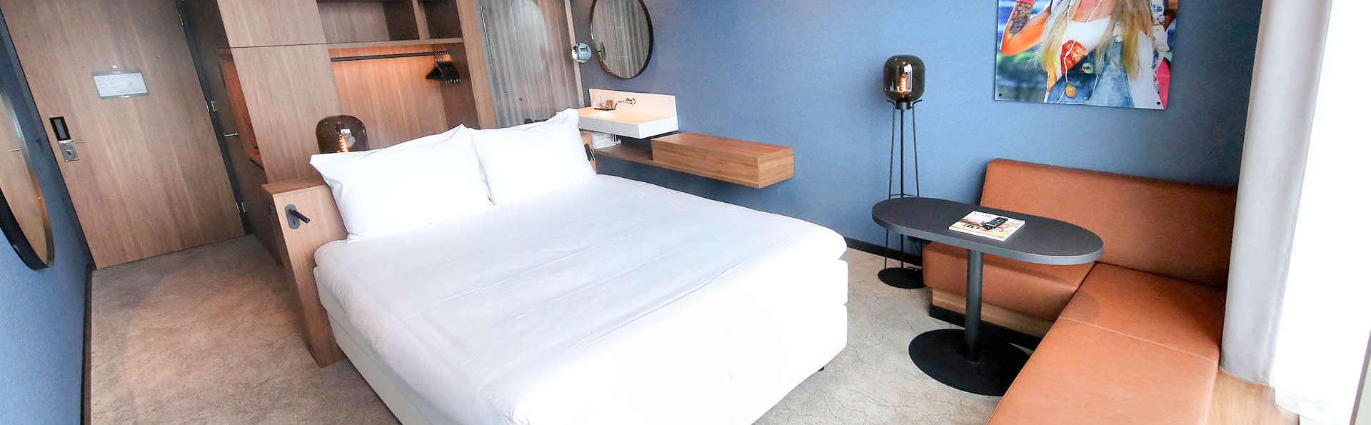 Van der Valk Hotel Amsterdam Zuidas - EDIT_BEDROOM_01.jpg