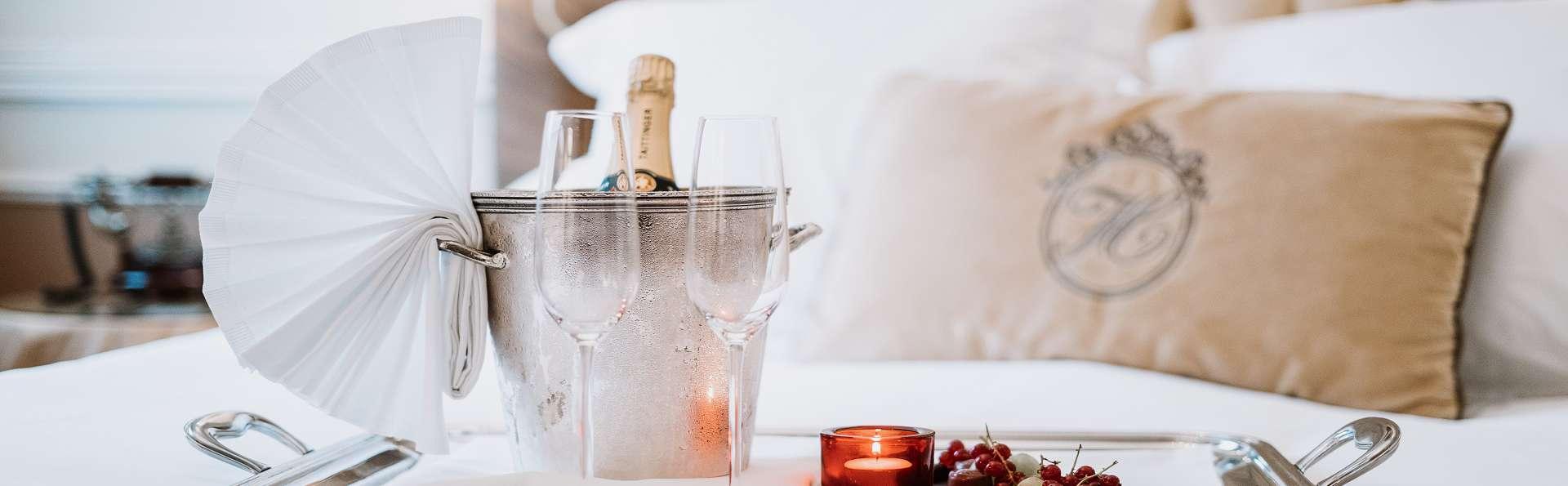 Luxe, élégance et délices culinaires avec un diner en chambre à Bruges