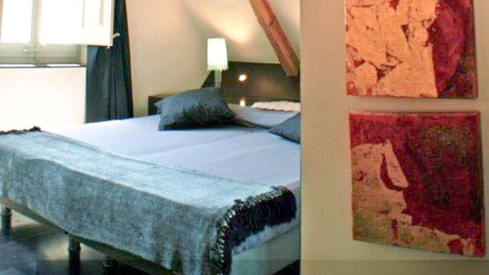 Hotel Sant Roc - EDIT_BEDROOM_01.jpg