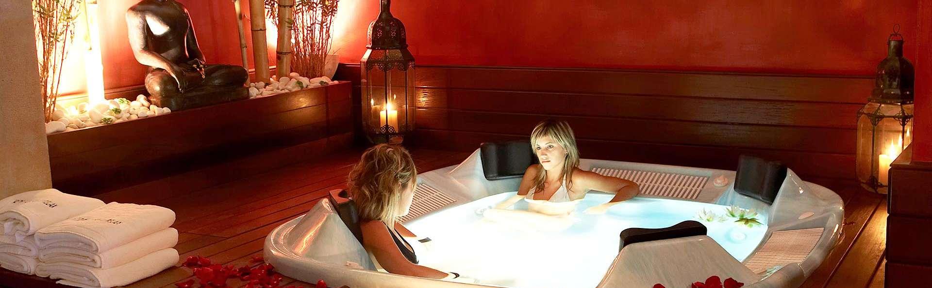 Escapade haut de gamme : séjour en chambre supérieure bain hydromassant, spa, dîner et plus