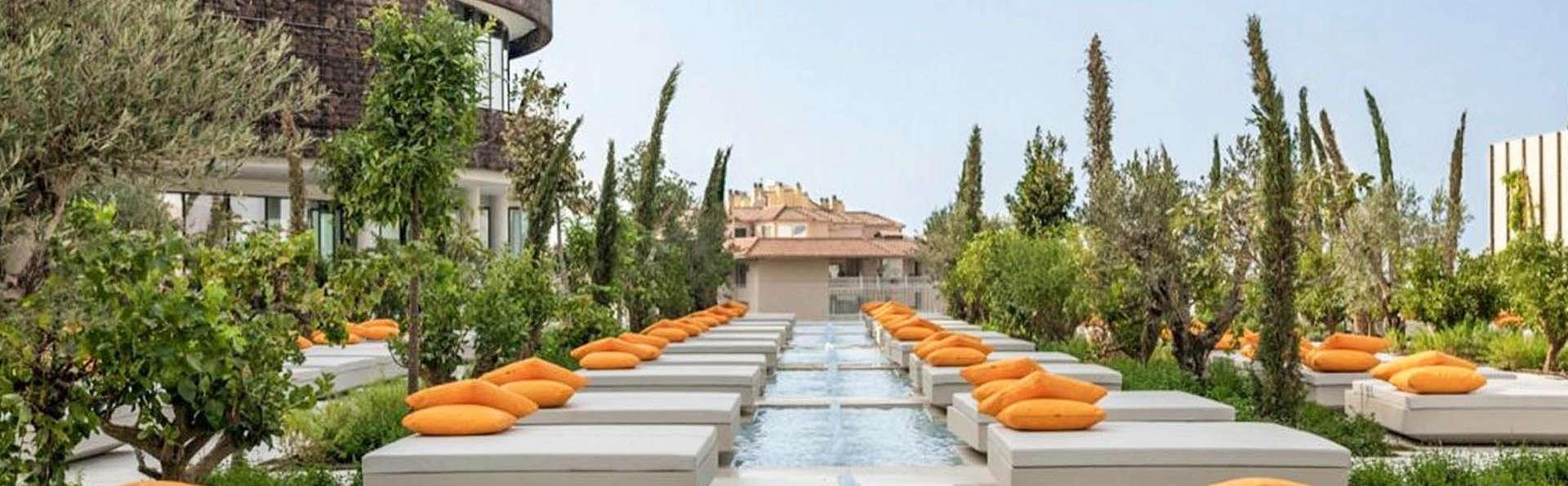 Bienestar a 5* con piscina balinesa y desayuno en Fuengirola, Málaga
