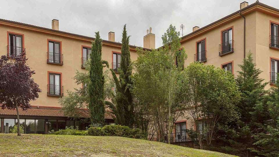 Hotel Real Balneario Carlos III - EDIT_Facade_01.jpg