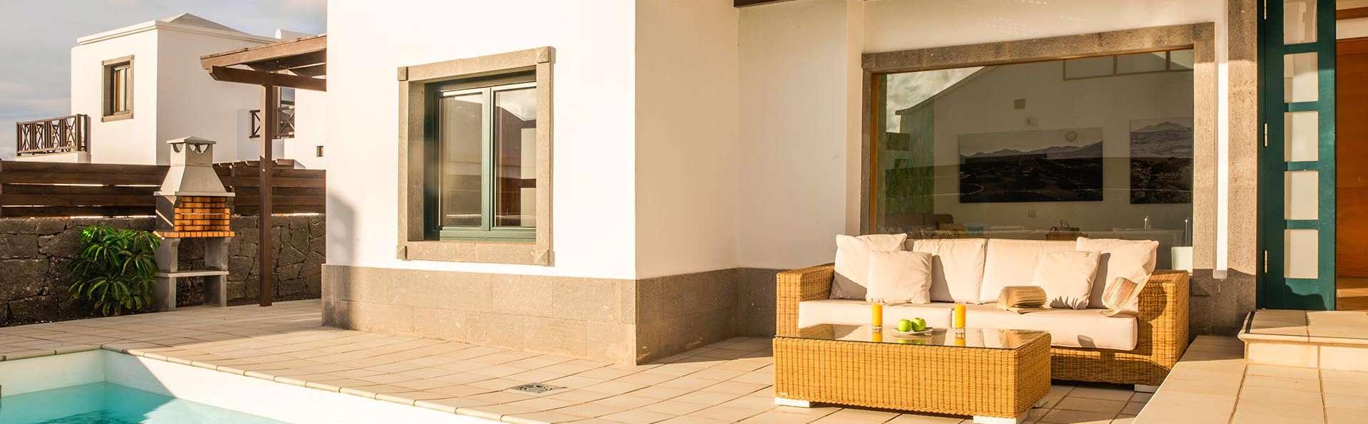 Escapada en Lanzarote en una villa con barbacoa y piscina cerca de la playa de las Coloradas
