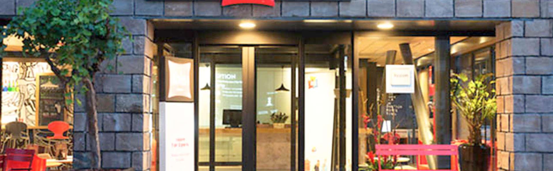 Ibis Rotterdam City Center - EDIT_FRONT_01.jpg