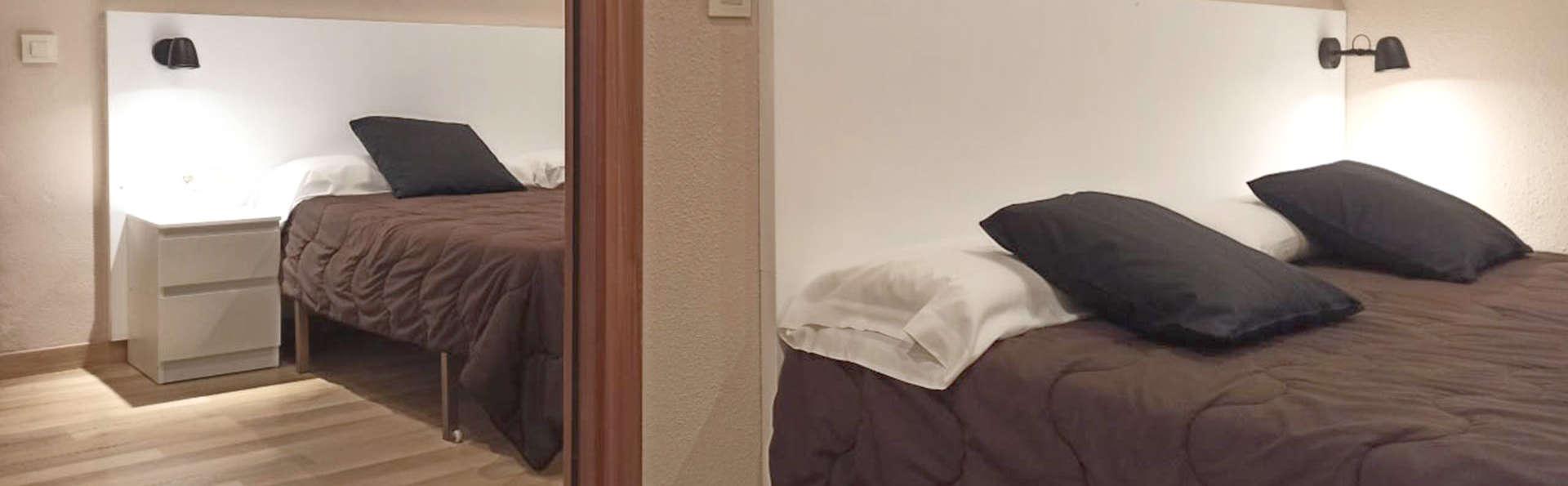 Hotel Marrodán - EDIT_BEDROOM_01.jpg
