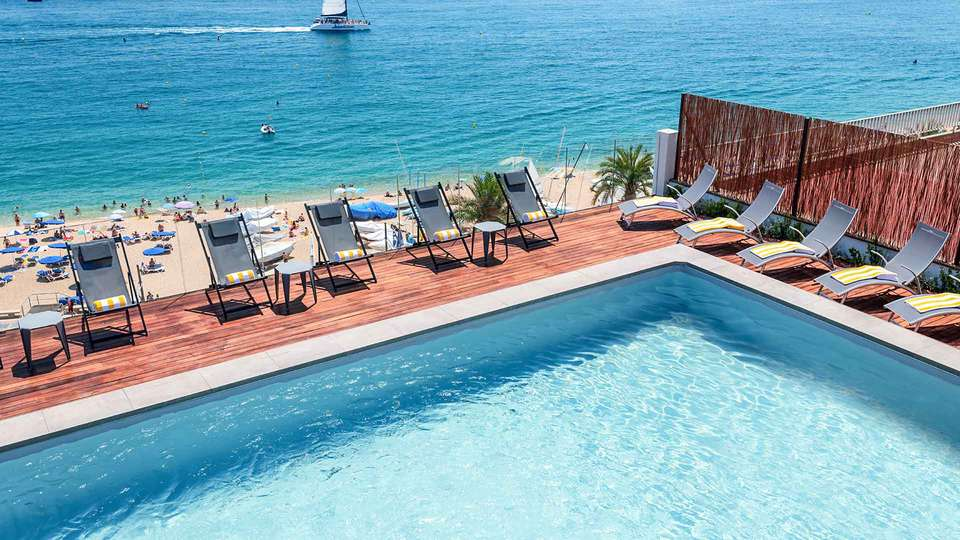 GHT Miratge - Only Adults (+16) - EDIT_ght-piscina-hotel-ght-miratge-lloret_01.jpg