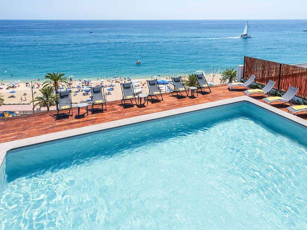 Séjour Lloret-de-mar - Glamour sur la Costa Brava avec vue sur mer, dîner, cava et cocktail sur la terrasse avec piscine  - 4*