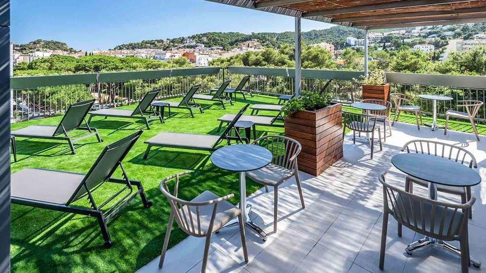 Hotel GHT Sa Riera - EDIT_terrassa-superior-ght-hotel-sa-riera-tossa_04.jpg