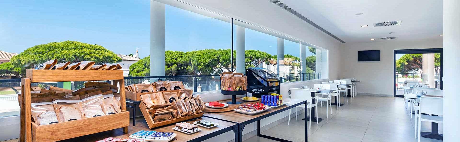Apartamentos Turísticos Al Sur - Edit_Restaurante-Al-Sur-Desayuno-1.jpg