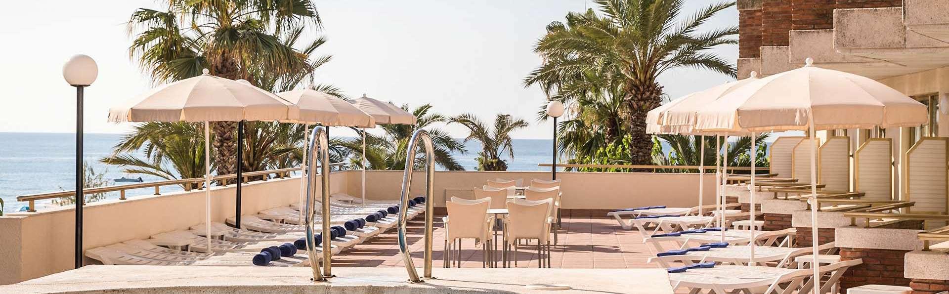Vacaciones de verano con pensión completa en la playa de Santa Susana