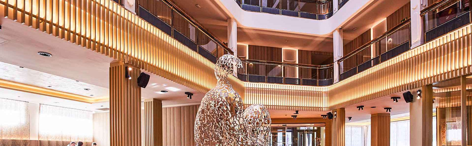 Hotel Plaza Andorra - EDIT_Hall_07.jpg