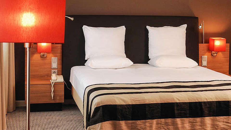 Mercure Hotel Den Haag Central - EDIT_Hotelroom_02.jpg