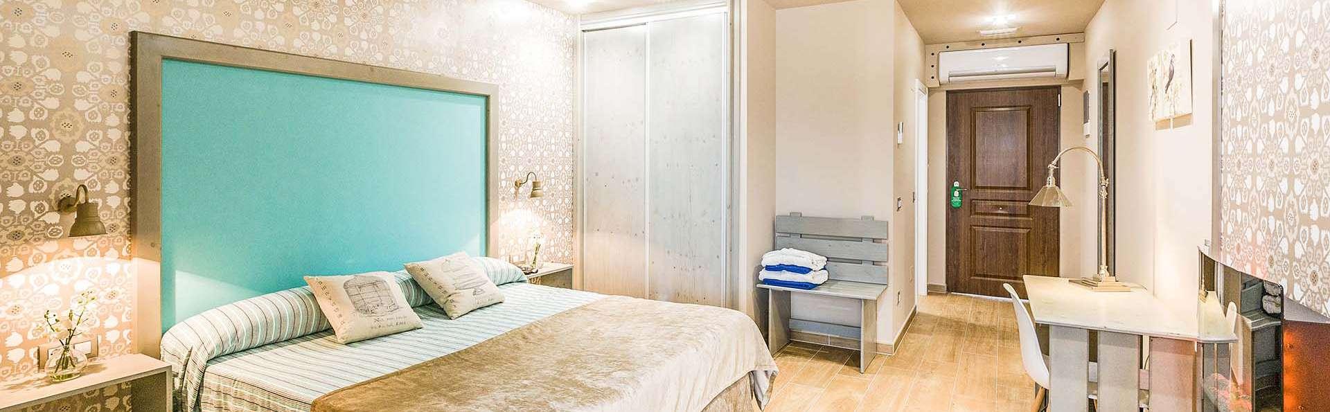 Regala estancia en Grand Suite con una gran bañera de hidromasaje en Cantabria