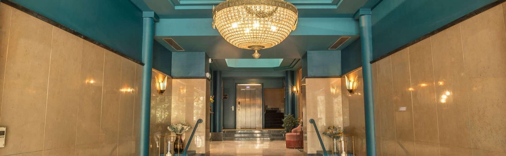 Hôtel Bristol - hall_retouchee.jpg