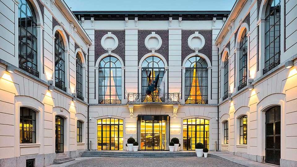 Hôtel Selys Liège  - EDIT_Cour_d_entree_01.jpg