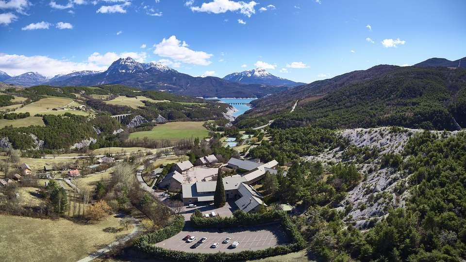 Club Vacances Bleues Les Horizons du Lac - pano_drone_1___JPEG_STUDIOS_PRINT_300_DPI__2_.jpg