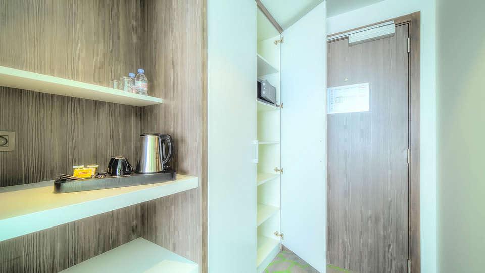 Hotel Lido Mons Centre - EDIT_Armoire_Boutique_01.jpg