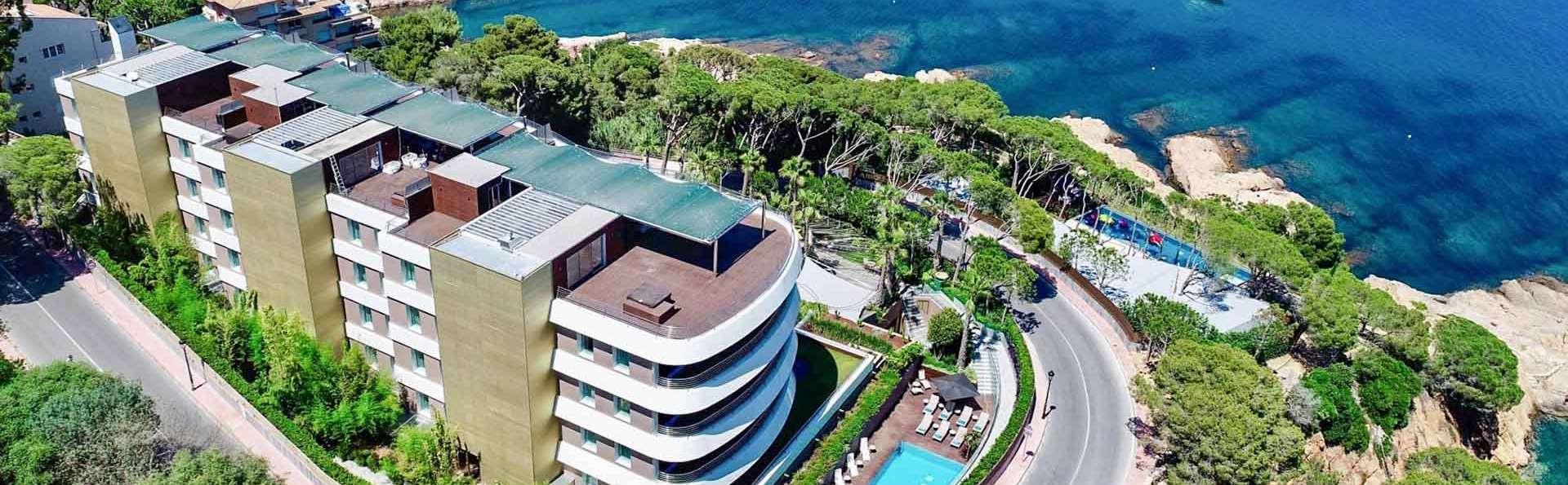 Exclusividad total en un lujoso 5* en la bahía de Sant Feliu de Guíxols, con circuito spa incluido