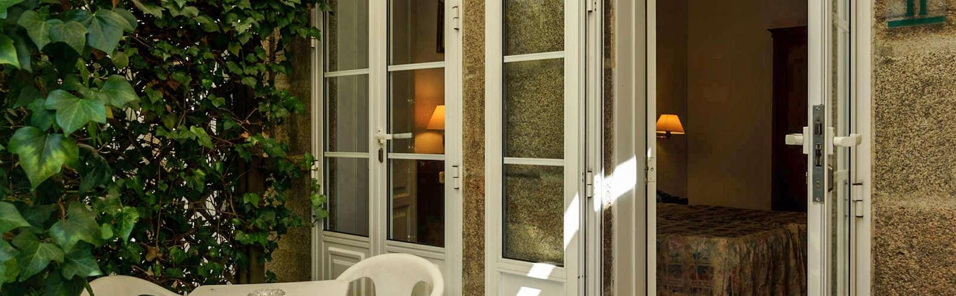 Pazo Almuzara - EDIT_Habitacion_edificio_anexo__terraza_particular_01.jpg