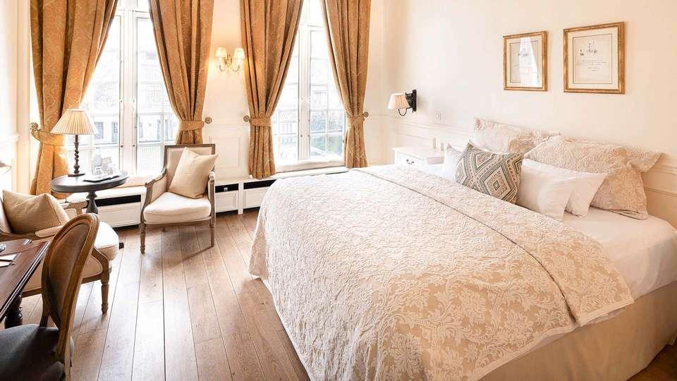 Hotel de Tuilerieen - EDIT_BEDROOM_01.jpg