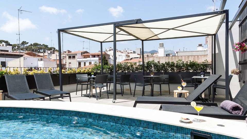 Vila Arenys Hotel - EDIT_Skybar_02.jpg