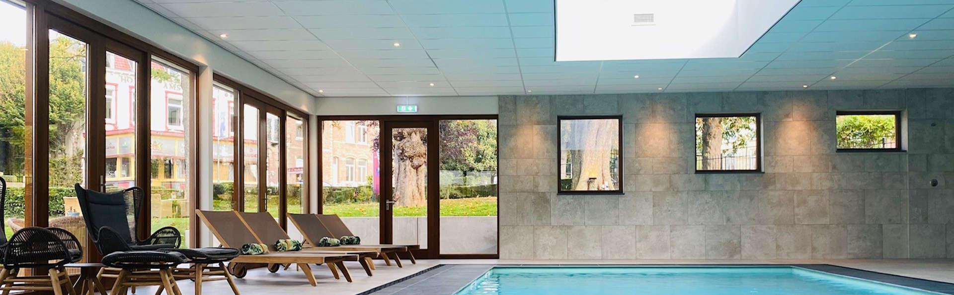 Hotel Schaepkens Van St Fijt - EDIT_zwembad_binnen.jpg