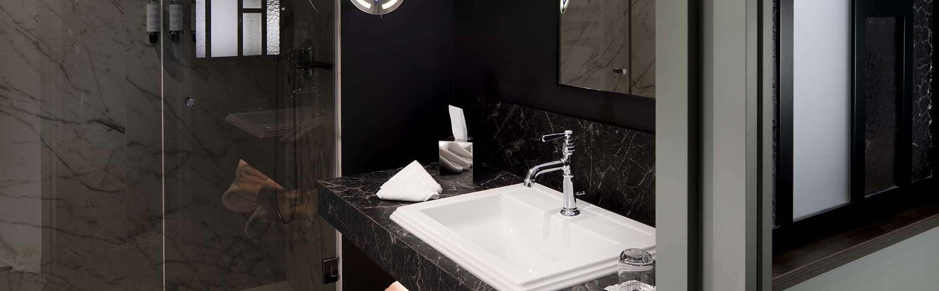 Maison Rouge Strasbourg Hotel & Spa, Autograph Collection  - EDIT_BATH_SUPERIEUR_ET_DELUXE.jpg