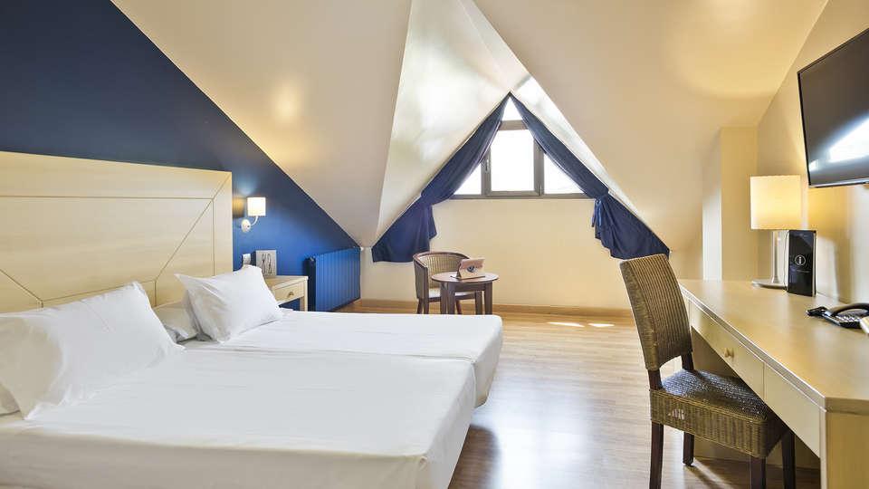 Abba Comillas Golf Hotel - EDIT_ROOM_STANDARD_Y_FAMILY.jpg