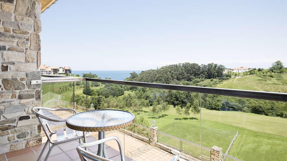Abba Comillas Golf Hotel - EDIT_ROOM_VISTAS_GOLF_BALCON.jpg
