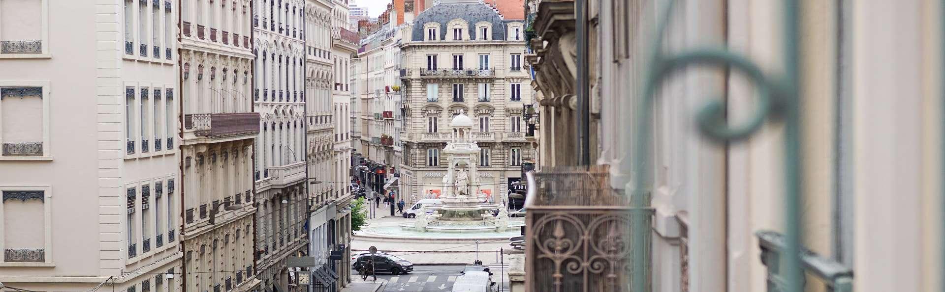 Hôtel Globe et Cecil - Jacobin.jpg