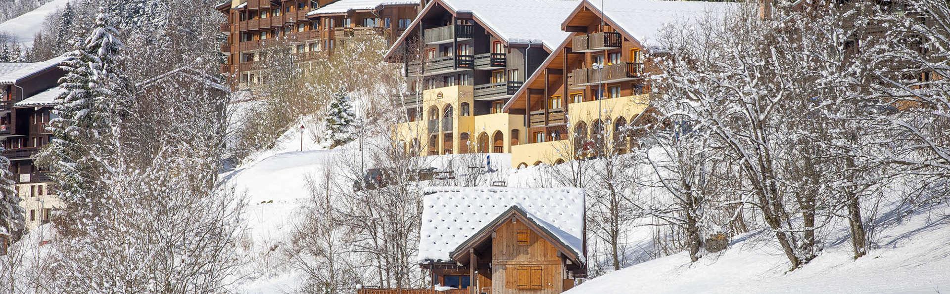 Vacancéole - Résidence Le Sappey - EDIT_exterieur-hiver-3.jpg