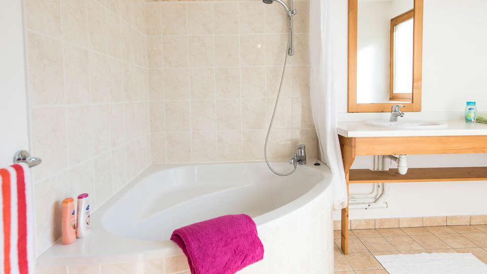 Vacancéole - Résidence Le Birdie - EDIT_BATHROOM_appartement-ST4-ST5.jpg