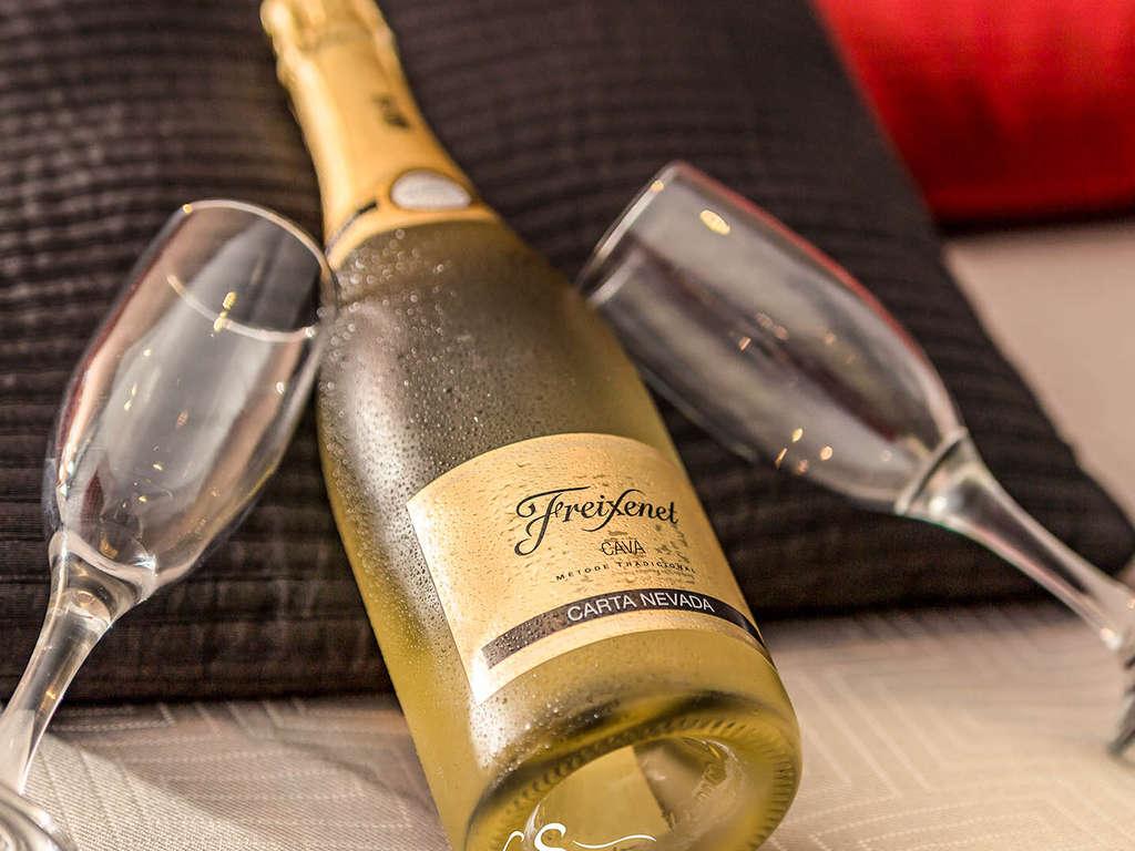 Séjour Aquitaine - Escapade sur la route des vins à Bordeaux et bouteille de Prosecco en chambre  - 3*