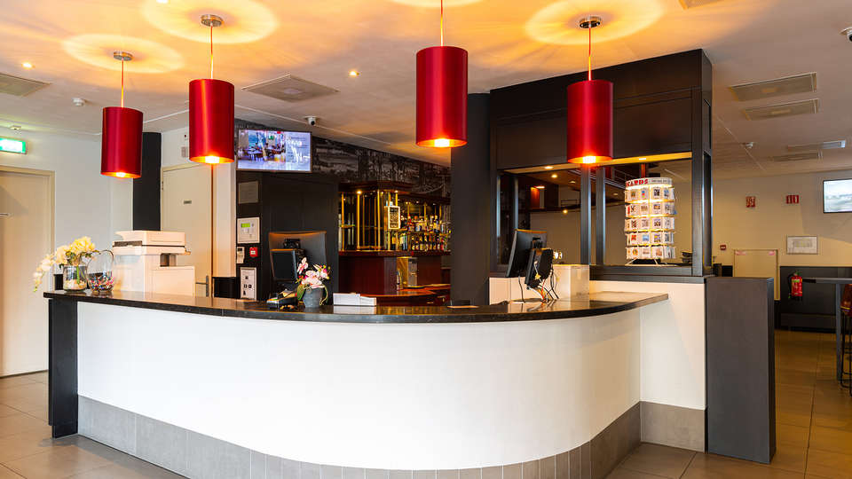 Bastion Hotel Rotterdam Alexander - EDIT_Receptie.jpg
