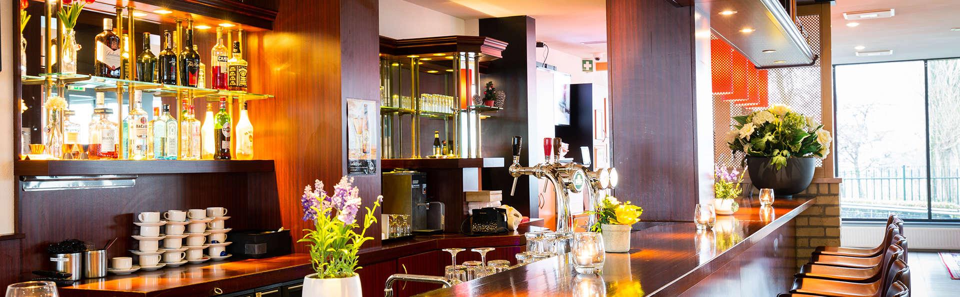 Bastion Hotel Dordrecht Papendrecht - EDIT_Bar.jpg