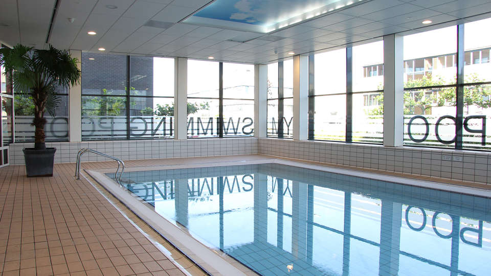 Best Western Plus Amsterdam Airport Hotel - EDIT_SWIMINGPOOL.jpg