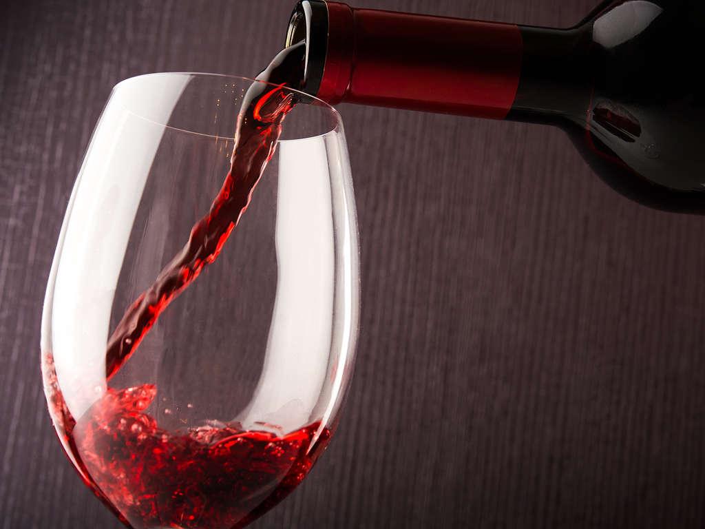 Séjour Lorraine - Weekend romantique avec petit-déjeuner et 1/2 bouteille de vin en chambre  - 3*