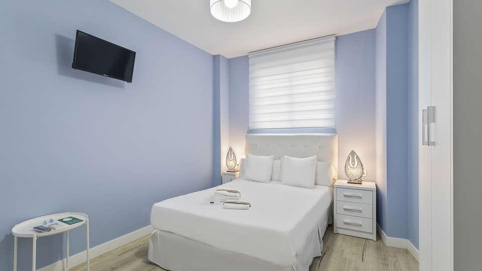 Sea & Dreams Hostel - EDIT_ROOM_1.jpg