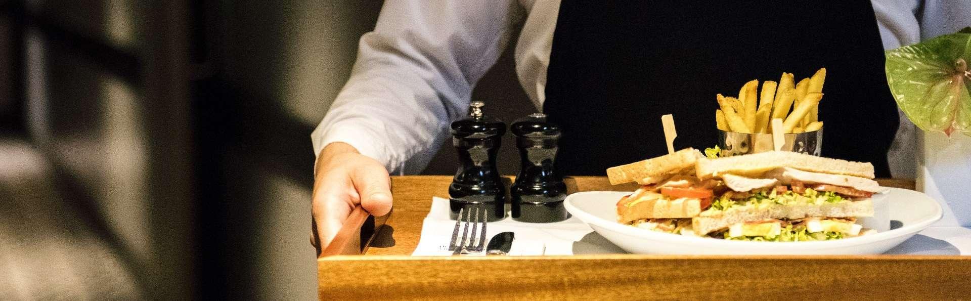 Séjour dans un hôtel design à Bordeaux avec dîner en chambre