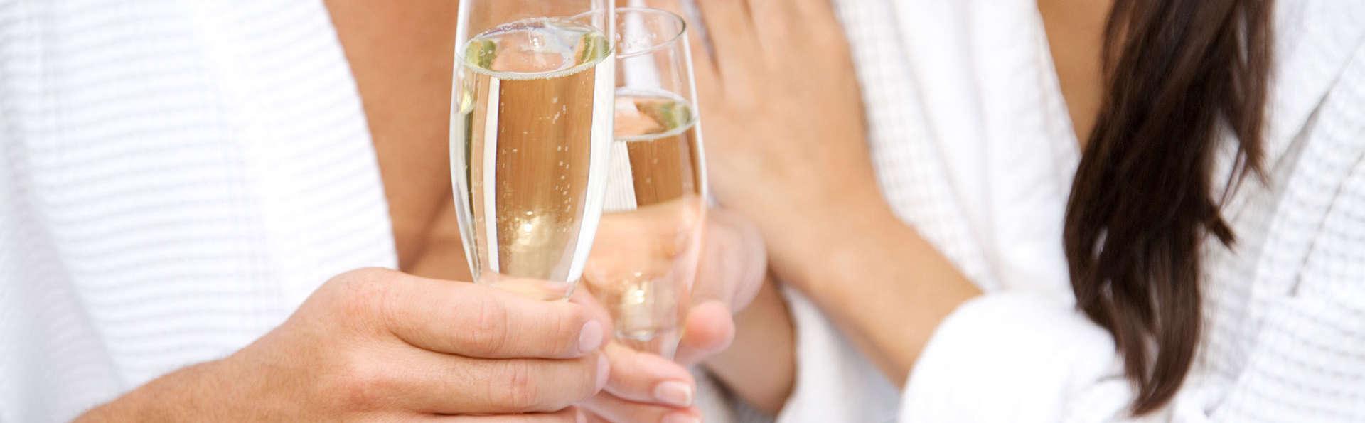 Weekend coquin avec Lovebox, champagne et accès spa inclus à Nice (à partir de deux nuits)