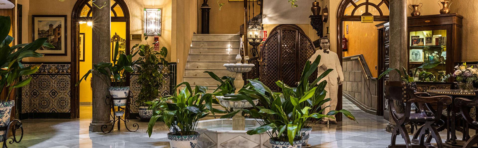 Hotel Reina Cristina - EDIT_HALL.jpg