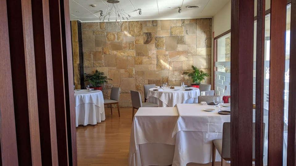 Hotel Restaurant Empòrium (Adults only) - EDIT_RESTAURANTE.jpg