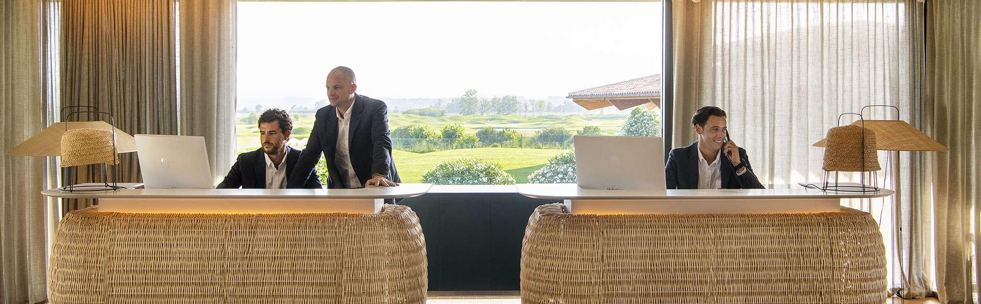Hotel Empordà Golf - EDIT_RECEPTION.jpg